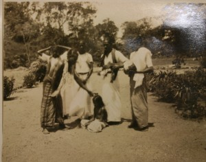 'Ceremony of the Seven Stars, the making of the Areca-Nut cutter, performed near Anarajapura [sic] Ceylon, July 28/33', photograph by Casey Wood