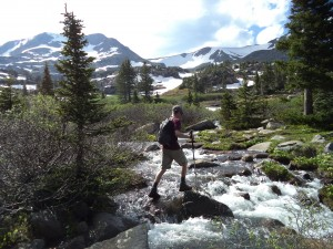 Crossing a stream on the way to King Lake (Photo by Laura MacLean)