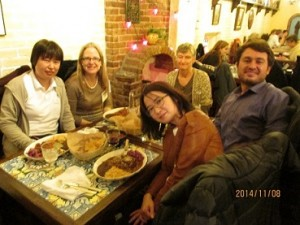 Tokiko Okuma, Silvina Montrul(PhD'97), Hye-Young Bang, Lydia White and Öner Özcelik(PhD '12) out to dinner